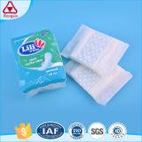 Type régulier de prix usine garniture sanitaire de serviette hygiénique pour des femmes