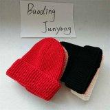 Популярным шлем Beanie шерстей повелительниц шлема уравновешивания шерсти Faux связанный Pompom