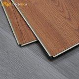 Compétitif imperméabiliser le plancher en bois d'hôtel de Lvt de planche commerciale en stratifié de PVC
