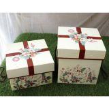 Los rectángulos de regalo de la cartulina, los diseños modificados para requisitos particulares y los colores son rectángulo de papel de moda validado