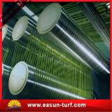 Hierba artificial del césped sintetizado barato del deporte para el verde que pone del golf