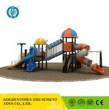 Парк развлечений в дневное время в классическом стиле детская игровая площадка слайд-оборудования