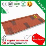 ナイジェリアまたはアフリカの工場価格の砂の上塗を施してある金属の屋根瓦の熱い販売