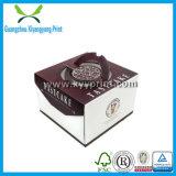 Rectángulo de torta de papel lindo con la maneta con la impresión de la insignia