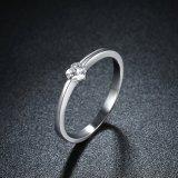 925純銀製の中心の形のジルコンの円形のリングの宝石類
