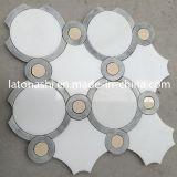 Скидка белого каррарского Waterjet мозаики плитки, мраморным полом Waterjet план