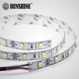 3528暖かく白く適用範囲が広いSMD LEDのストリップ、60LED 4.8W /M