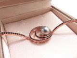 Mit Filigran geschmückte Arbeits-Stechpalme mustert Form-Armband im Kupfer mit grauer Perle