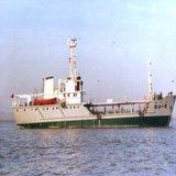 500 toneladas de buques de suministro de combustible