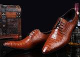 Calçados formais do vestido das sapatas de couro dos homens do projeto simples