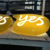 Установите флажок для установки вне помещений используется светодиодная лампа с буквами на размещение рекламы