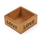 Retro casella di memoria di amore fatta di piccoli POT di legno solido