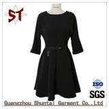 Customed einfaches elegantes Dame-Kleid mit Riemen