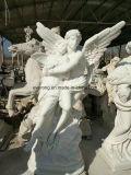 La famosa escultura de piedra de Ángel de mármol blanco con alas estatua