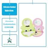 カスタマイズされたシリコーンゴムの製品は洗濯できる赤ん坊のエプロン型を防水する