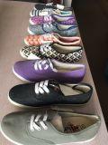 10 ботинок Cavnas женщин цвета