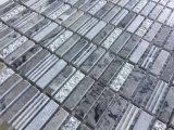 Mattonelle di mosaico impilate della pietra del marmo del reticolo