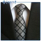 Cores diferentes para sua gravata da escolha e do estoque