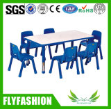 Tableau réglable d'école de meubles d'enfants avec les présidences en plastique (SF-18C)