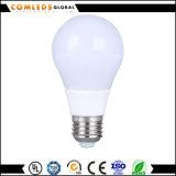 El aluminio de plástico+7W A60 bombilla LED con CE
