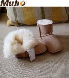 Zapatos de bebé suaves de la planta del pie de cuero de la cara de las lanas dobles de la corderina
