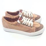 方法偶然および歩きやすいズック靴女性のための多くのカラー