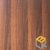 Papel impregnado melamina decorativa de madera del grano de la nuez negra para el suelo, la puerta, los muebles y la chapa del fabricante chino