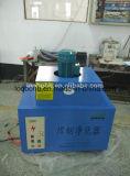 壁掛け溶接の研修会のための集じん器を溶接する2つの吸引アーム