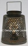 旧式な円形の青銅色の金属のランタンW/LEDの電球