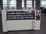 Karton-Kasten, der die Maschinen-Serien-gewölbte Pappe aufschlitzt einkerbende Maschine bildet