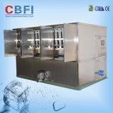 Eis-Würfel, der Maschine herstellt
