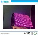 Fabrik-Großhandelspreis gebogene geformte weiche Bildschirmanzeige-Baugruppen-Preis P4 LED-P4 weich flexible farbenreiche LED-Innenbildschirmanzeige