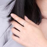 Il diamante cubico di Zirconia della fascia di Jennie che imposta monili argentei 925