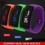 Yxl-147 van de Rubber LEIDENE van hete het Verkopende Vrouwen Mens Digitale Polshorloge van de Armband van de Sporten Datum van het Horloge