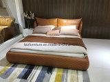 木製の足を搭載する北欧のイタリアの寝室の革ベッド