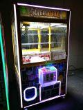 L'ultima macchina di lusso del gioco della gru a benna che afferra la grande gru di gru a benna della macchina del gioco della bambola