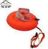 De oranje Kleine Veiligheid Dount zwemt de Zak van de Boei met Zak voor Volwassene en Kind