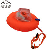De oranje Veiligheid Dount zwemt de Zak van de Boei met Zak