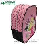 漫画の女の子のためのピンクのバックパックのランドセルを切りなさい