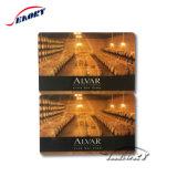Chipkarte mit schwarzem Code und magnetischem Streifen