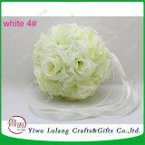 La leche de seda blanca Pomander besar la bola de flores de boda Centro