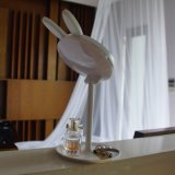 Lâmpada de tabela encantadora do espelho da composição do coelho do diodo emissor de luz para o presente de feriado