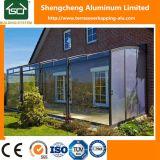 De Dekking van het Terras van het aluminium met de Schuifdeuren van het Glas voor Villa