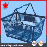 Panier à provisions en plastique de supermarché au détail d'épicerie
