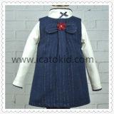Vestido azul das meninas do inverno de lãs do engrossamento da forma bonito