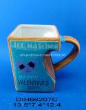 La tazza di ceramica decorativa di giorno del biglietto di S. Valentino