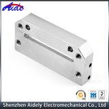 Части Lathe машинного оборудования CNC изготовленный на заказ точности подвергая механической обработке алюминиевые центральные