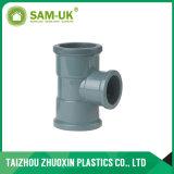 Acoplamento sanitário da linha do PVC para a fonte de água