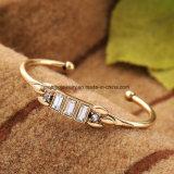 Monili di cristallo di nuovo della lega di apertura disegno rettangolare poco costoso del braccialetto per le ragazze