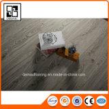 Plancher de luxe imperméable à l'eau auto-adhésif de planche de vinyle d'usage d'intérieur
